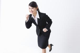 スーツを着た女性の写真素材 [FYI04281766]