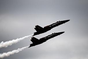 戦闘機 上昇の写真素材 [FYI04283295]