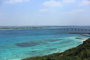 宮古島に掛かる橋の写真素材 [FYI04283548]