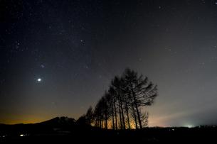 冬の星空の写真素材 [FYI04283634]