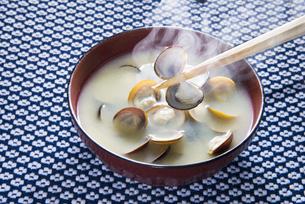 シジミのみそ汁の写真素材 [FYI04284191]