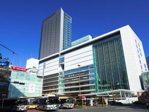 横浜駅 JR横浜タワーの写真素材 [FYI04285608]
