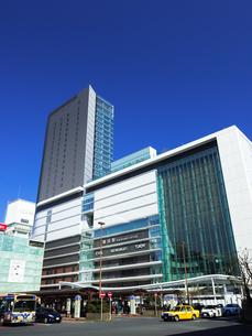 横浜駅 JR横浜タワーの写真素材 [FYI04285613]