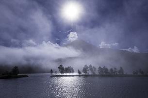 白樺湖 日本 長野県 茅野市の写真素材 [FYI04286854]