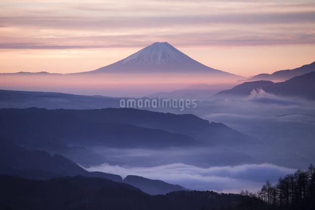 高ボッチ山からの眺め 日本 長野県 岡谷市の写真素材 [FYI04286862]
