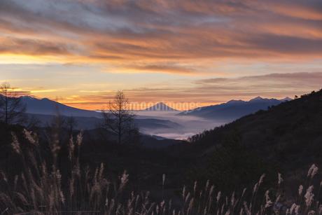 高ボッチ山からの眺め 日本 長野県 岡谷市の写真素材 [FYI04286869]