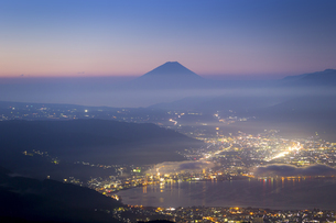富士山 夜明けの写真素材 [FYI04286883]