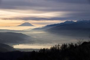 高ボッチ山からの眺め 日本 長野県 岡谷市の写真素材 [FYI04286896]