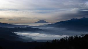 高ボッチ山からの眺め 日本 長野県 岡谷市の写真素材 [FYI04286945]
