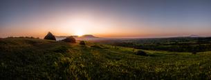 押戸石の丘 日本 熊本県 南小国町の写真素材 [FYI04287160]
