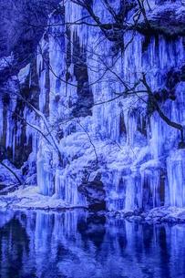 三十槌の氷柱 日本 埼玉県 秩父市の写真素材 [FYI04287257]