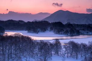 小野川湖お立ち台 日本 福島県 北塩原村の写真素材 [FYI04287295]