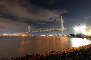 夜の名港トリトンの写真素材 [FYI04287403]