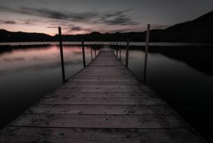 赤城大沼の夕暮れの写真素材 [FYI04287416]