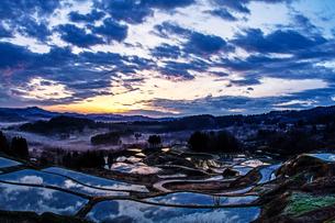 大月の棚田 日本 新潟県 上越市の写真素材 [FYI04287469]