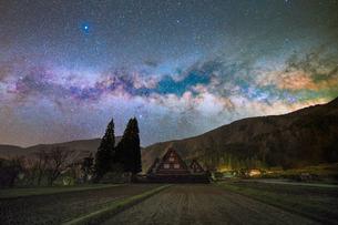 夜明け 風景 日本の写真素材 [FYI04287493]