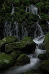 元滝伏流水 日本 秋田県 にかほ市の写真素材 [FYI04287611]