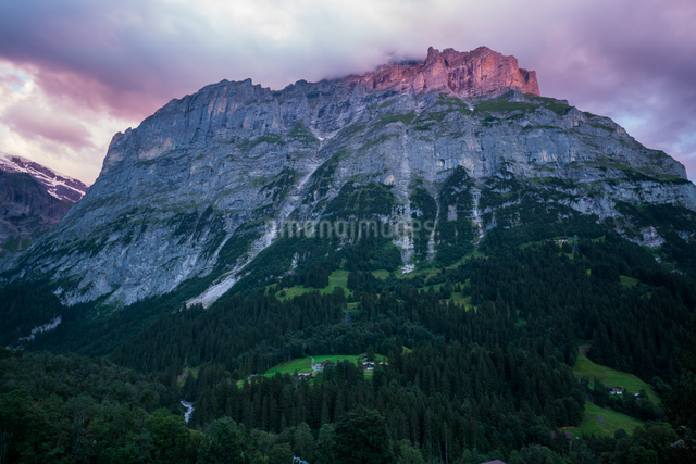 メッテンベルク グリンデルワルト スイスの写真素材 [FYI04287739]