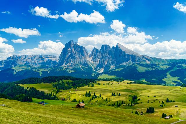 シウジ高原 イタリアの写真素材 [FYI04287823]