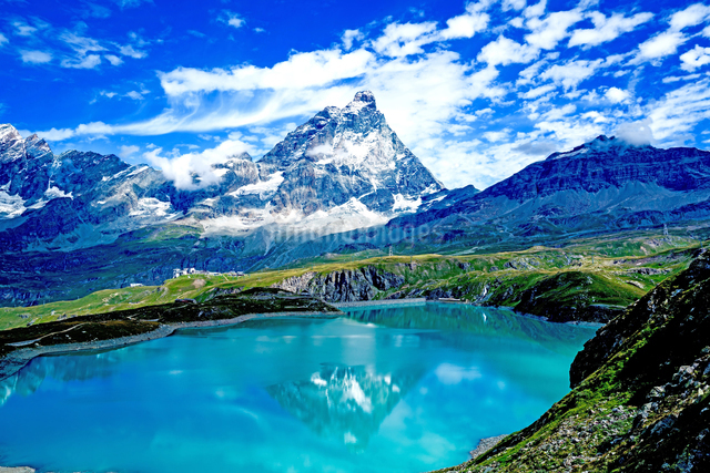 ゴイエット湖(ラク・デ・ゴイッレト湖) イタリアの写真素材 [FYI04287826]