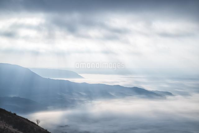 絶景駐車場 日本 熊本県 阿蘇市の写真素材 [FYI04287941]