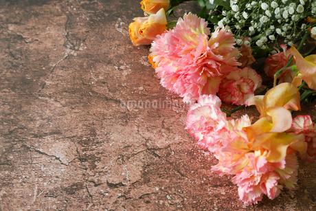 様々な花のブーケの写真素材 [FYI04289388]