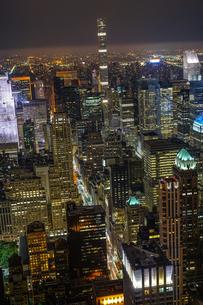 エンパイヤステートビルから見えるニューヨークの夜景の写真素材 [FYI04290035]