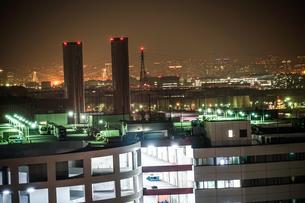 川崎マリエン(神奈川県川崎市)から見える京浜工業地帯の写真素材 [FYI04290060]