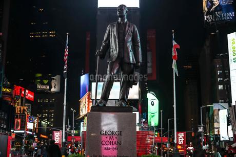ニューヨーク・タイムズスクエア(TimesSquare)の夜景の写真素材 [FYI04290074]