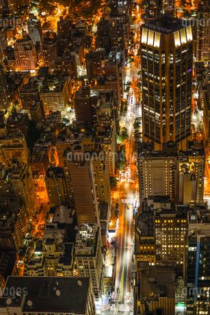 エンパイヤステートビルから見えるニューヨークの夜景の写真素材 [FYI04290114]