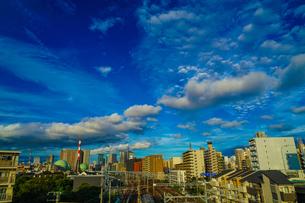 横浜の街並みと秋の空の写真素材 [FYI04290141]