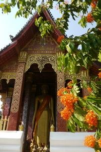 ラオスの神社 ラオスの寺院 東南アジアの寺院の写真素材 [FYI04290361]