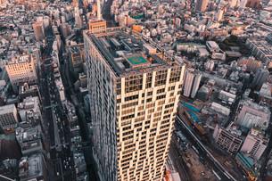 夕暮れの東京・渋谷の街並みの写真素材 [FYI04290945]
