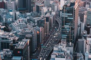 東京・渋谷の街並みと首都高の写真素材 [FYI04290946]