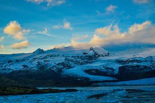 アイスランド・フィヤトルスアゥルロゥン氷河湖の写真素材 [FYI04291100]