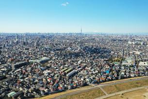 江戸川上空から見た東京の写真素材 [FYI04291527]