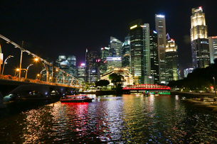 きらびやかなシンガポールの夜景の写真素材 [FYI04293103]