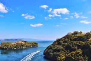 西海橋から見る長崎県の海の風景の写真素材 [FYI04293174]