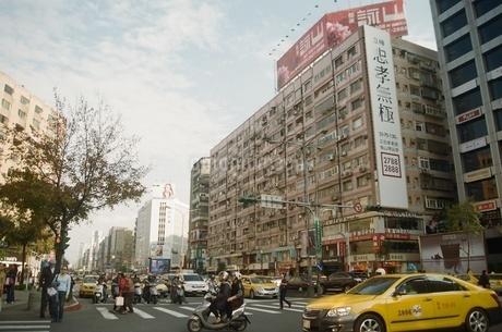 台灣 台北 2012年 都会の写真素材 [FYI04293437]