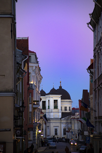 タリン旧市街(タリン歴史地区)夕景  エストニアの写真素材 [FYI04293775]
