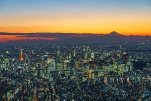 東京夕景の空撮の写真素材 [FYI04293889]