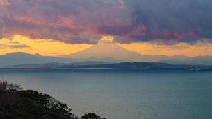 富士山夕景の写真素材 [FYI04293914]