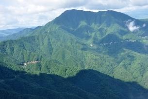 松山より望む夏の御正体山の写真素材 [FYI04294239]