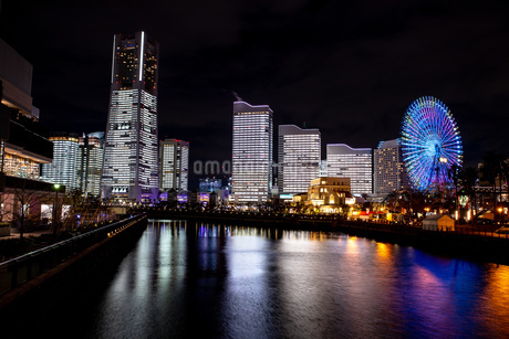 横浜市 みなとみらいの夜景 全館点灯の写真素材 [FYI04294469]