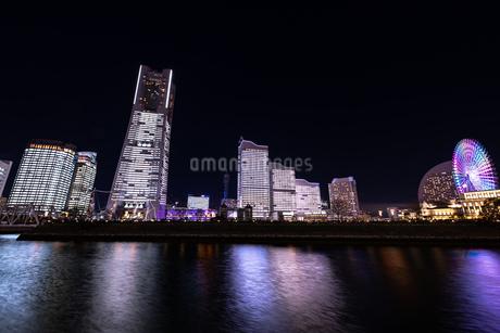 横浜市 みなとみらいの夜景 全館点灯の写真素材 [FYI04294472]