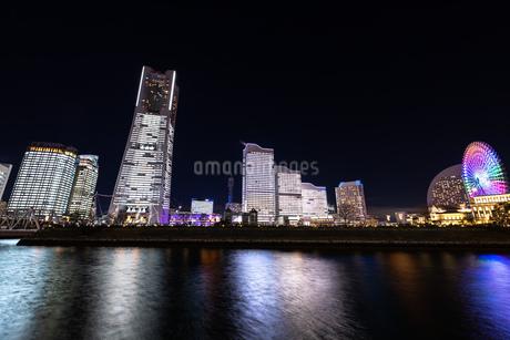 横浜市 みなとみらいの夜景 全館点灯の写真素材 [FYI04294473]