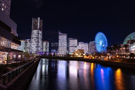 横浜市 みなとみらいの夜景 全館点灯の写真素材 [FYI04294474]
