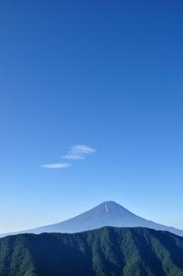 夏富士に青空の写真素材 [FYI04294704]