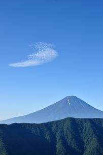 夏富士に青空の写真素材 [FYI04294709]