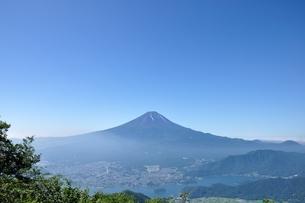 夏富士山コピースペースの写真素材 [FYI04294751]